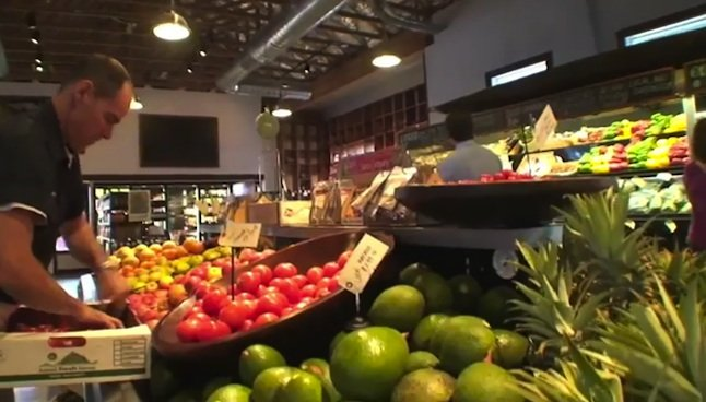 Kukui'ula Video: Act local, eat local