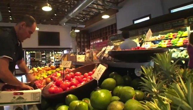 Kukui'ula Video: Act local, eat local