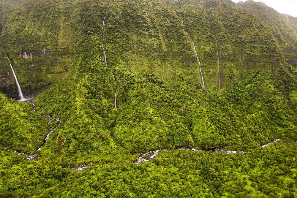 WEEPING WALL Kauai